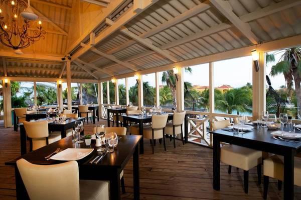 lions-dive-restaurant2.jpg