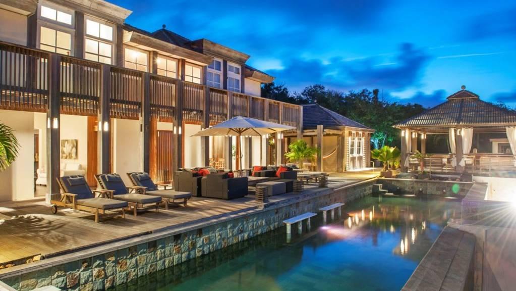 Villa-L-Oasis-Terrace-by-night-1024x681.jpeg