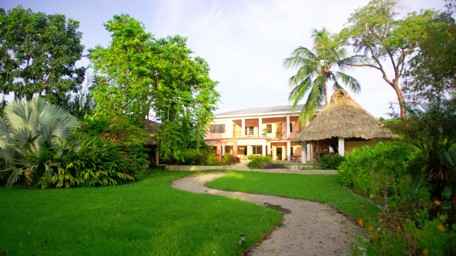 coral-house-belize-its-7-00am-here-in-punta.jpg