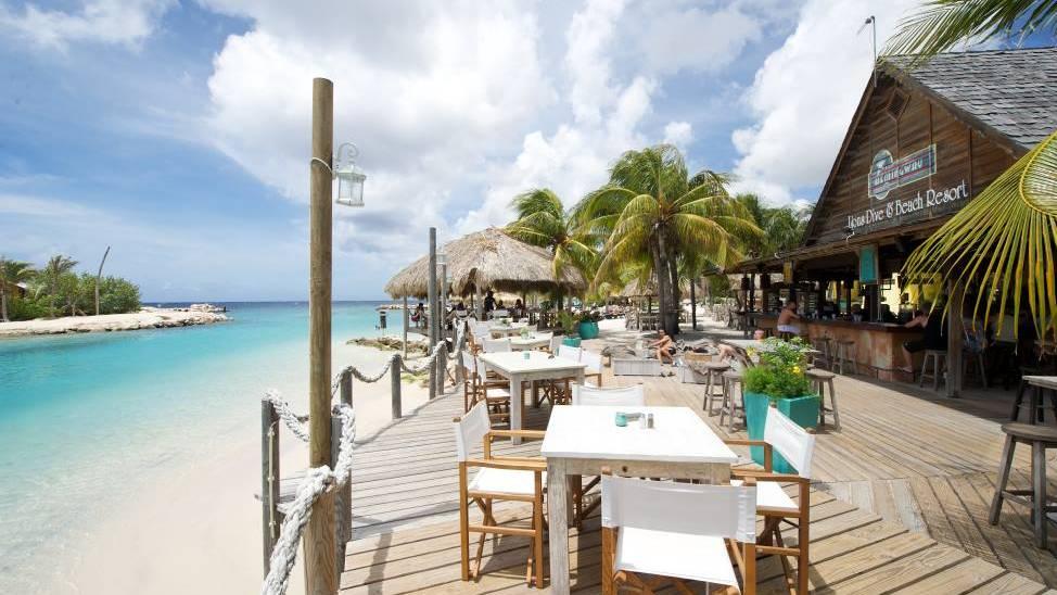 lions-dive-restaurant.jpg