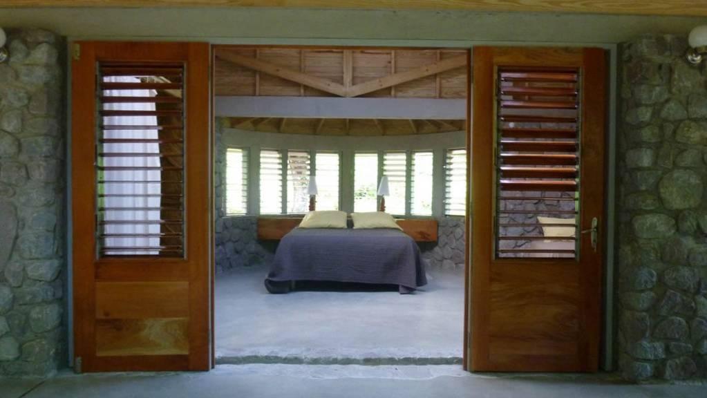 mango-open-bedroom-1024x767.jpg