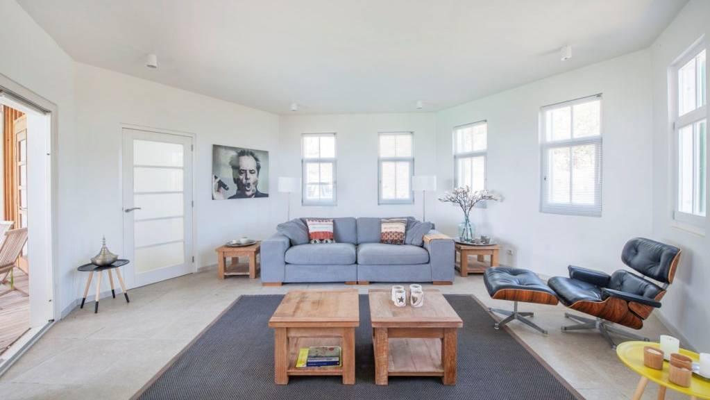 villa-smiling-turtle-steustatiusVilla-Winkelman-Livingroom-1024x681.jpeg