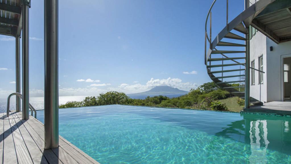 villa-smiling-turtle-steustatiusVilla-Winkelman-Swimming-Pool-View-1024x681.jpeg