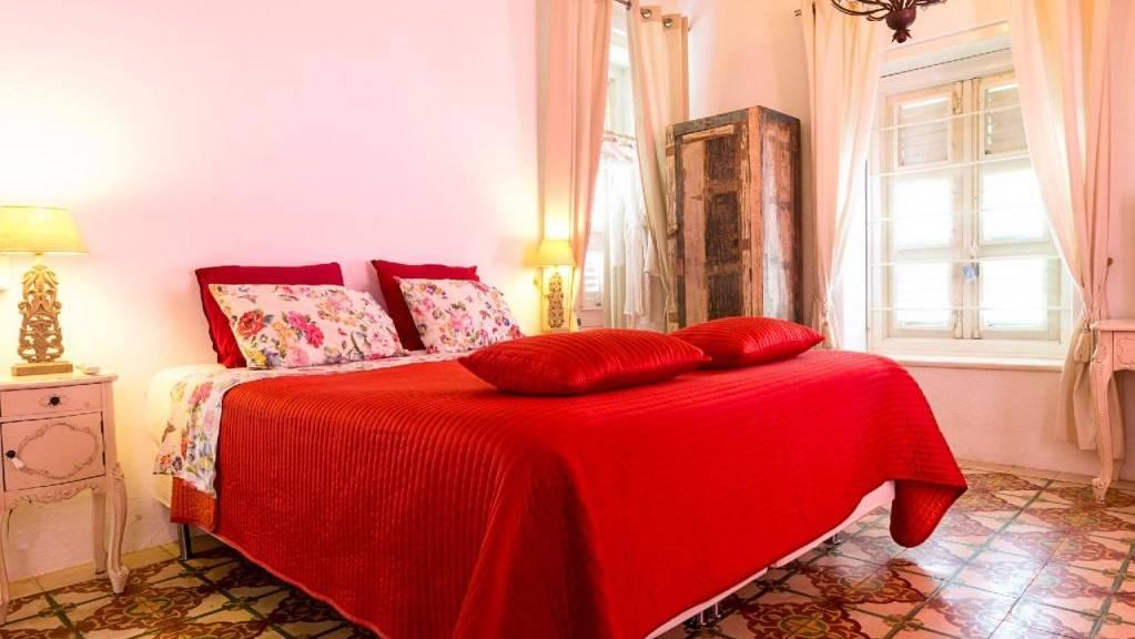 villa-tokara-bedroom-1024x683.jpg